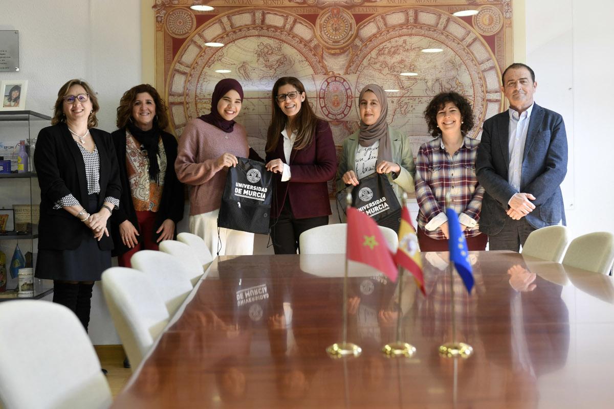 La UMU recibe a las estudiantes marroquíes del programa Generaciones Jóvenes como Agentes de Cambio
